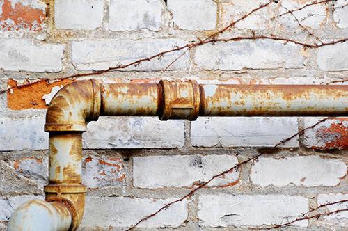 rusty-pipe